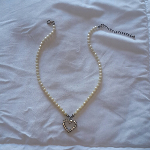 Forever 21 Jewelry - Heart Necklace